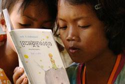 Lecture du Petit Prince en khmer