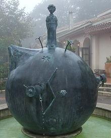 Hommage au Petit Prince de Saint-Exupéry, bien installé sur l'astéroïde B-612, au Musée de Hakone, Japon.